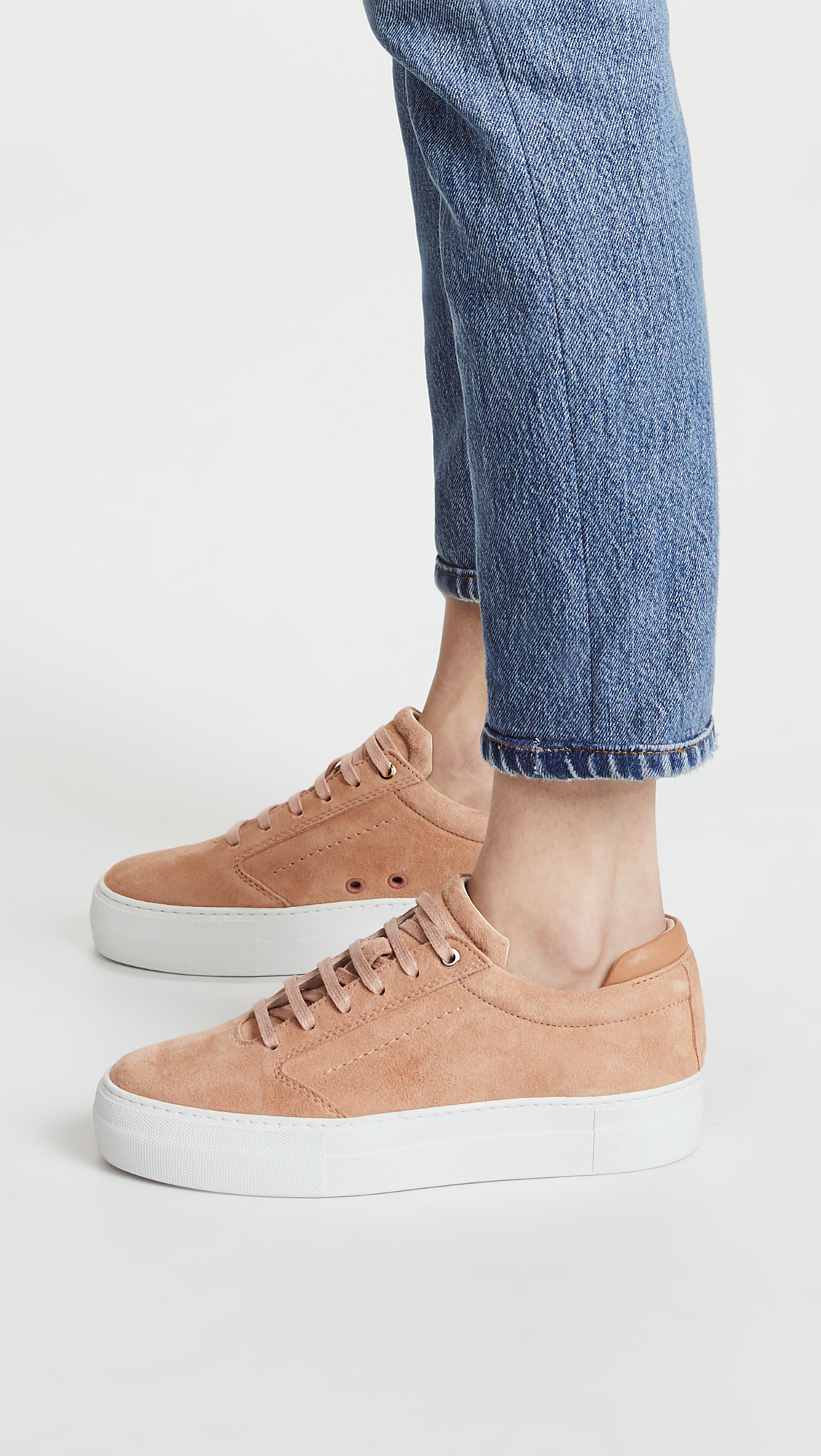 want les essentials sneakers